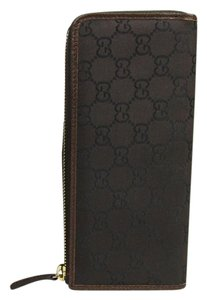 Gucci Women's Light Brown Leather Zip Around Wallet Guccissima 268917 2068