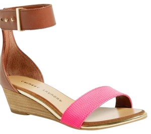 Chinese Laundry Brown, pink Sandals