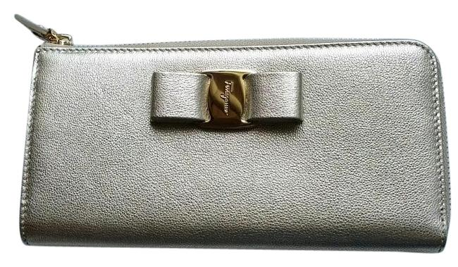 Item - Metallic Silver *new with Tags* Miss Vara Bow Zip Continental In Gold Wallet