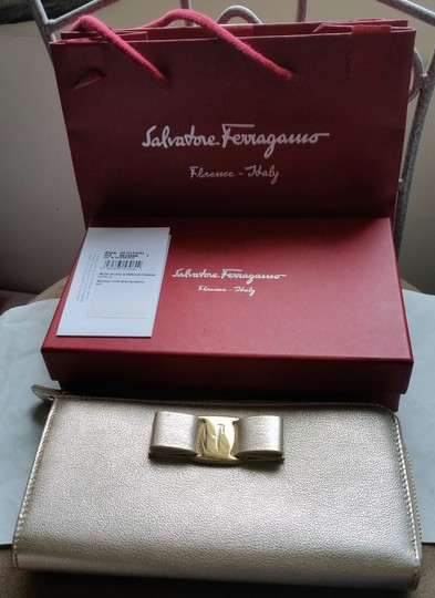 Salvatore Ferragamo *New with tags* Miss Vara Bow Zip Continental Wallet in Metallic Gold Image 5