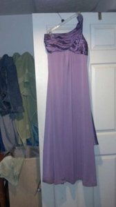 David's Bridal Purple Polyester F13185 Formal Bridesmaid/Mob Dress Size 8 (M)