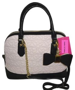 Betsey Johnson Cross Body Top Zip Closure Dome Quilted Bows Satchel in BLUSH