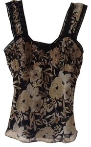 Bandolino Top Black, neutral floral