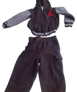 Nike NIKE AIR JORDAN BOYS 2-PIECE TRACKSET SIZE 24M