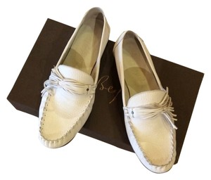 Henry Beguelin White Leather Flats
