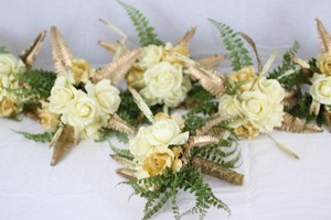 Handcrafted Golden Bridesmaids Bouquets (6 Count)