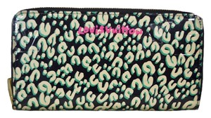 Louis Vuitton Authentic New Limited Edition Louis Vuitton Green Leapord Zippy Wallet