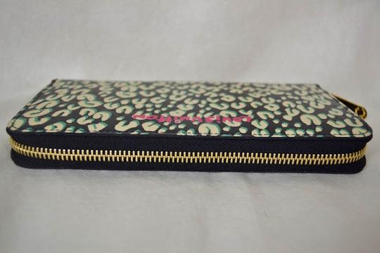Louis Vuitton Authentic New Limited Edition Louis Vuitton Green Leapord Zippy Wallet Image 3