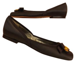 Juicy Couture Chocolate Flats
