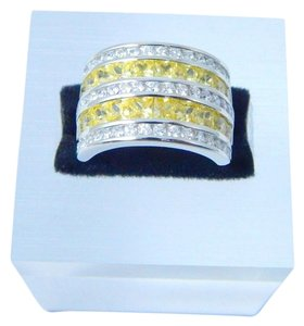 9.2.5 Enticing Emerald cut shape 3x3mm Princess Cut Yellow diamond simulant Ring Sterling Silver