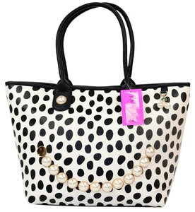 Betsey Johnson Smiley Tote in Black/White