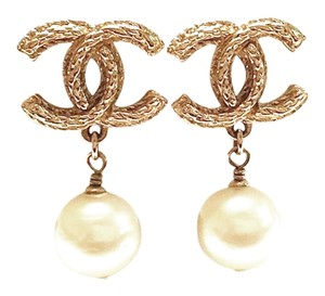 Chanel Authentic Chanel Classic Gold CC Pearl Dangle Piercing Earrings