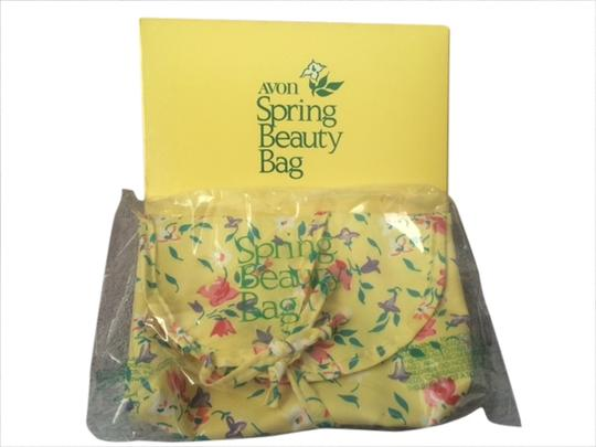 Preload https://img-static.tradesy.com/item/1787529/avon-vintage-spring-beauty-makeup-cosmetic-1981-rare-new-in-box-yellow-clutch-0-0-540-540.jpg
