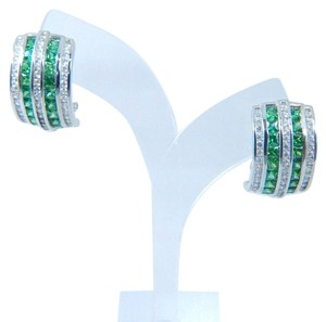 9.2.5 Elegant Emerald cut shape 3x3mm Princess Cut Emerald simulant Pendant Sterling Silver