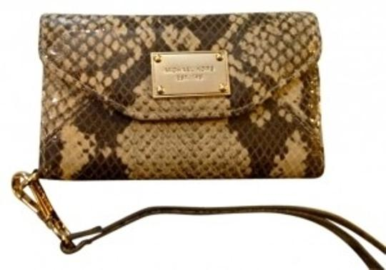 Preload https://item4.tradesy.com/images/michael-kors-natural-python-clutch-for-iphone-4s43gs-wallet-178763-0-0.jpg?width=440&height=440
