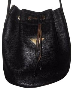Fendi Mint Vintage Drawstring Top Bucket Rare Style Early Style Satchel in black textured leather