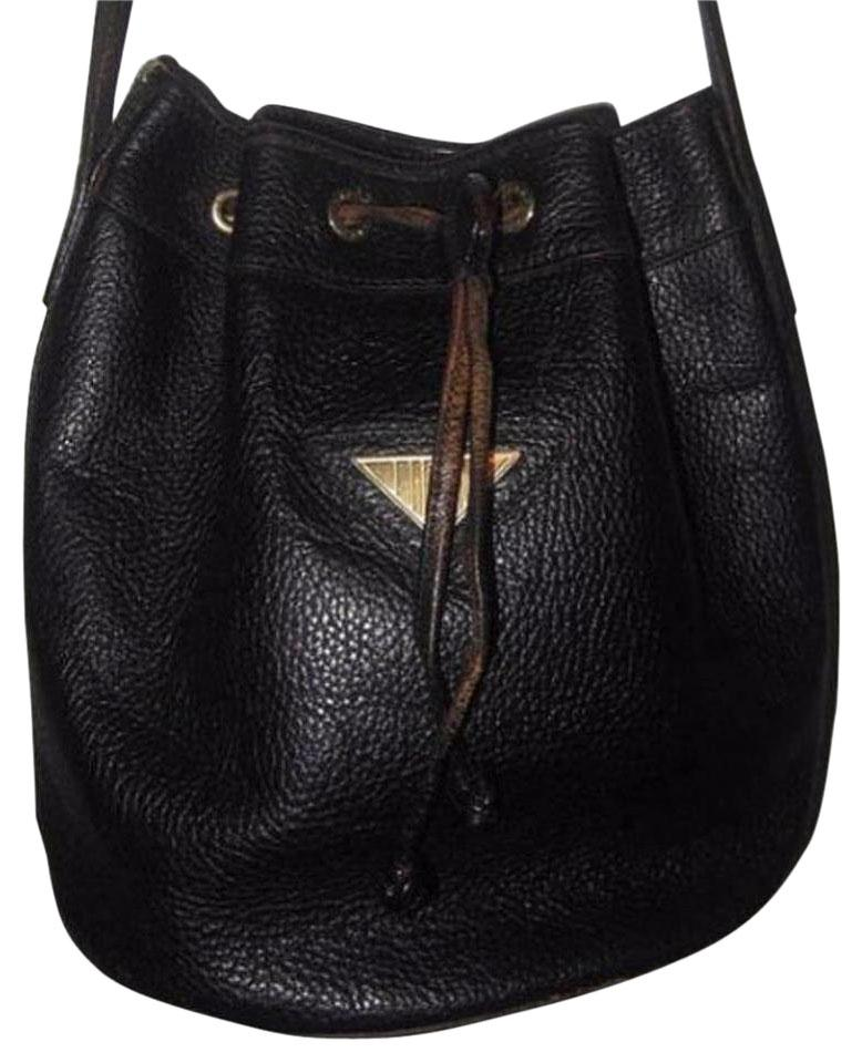 14d9409a42e2 Fendi Mint Vintage Popular Style Drawstring Top Bucket Rare Style Satchel  in black textured leather ...