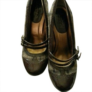 Y-Not? Like New Condition Tweed/Brown Patent Pumps