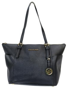 Michael Kors Mk Jet Set Gold Hardware Tote in Black