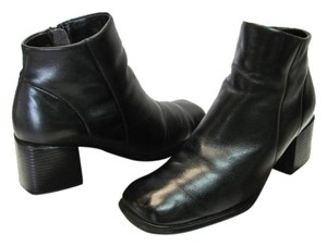 White Mountain Size 7.00 M Leather Black Boots