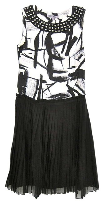Preload https://item5.tradesy.com/images/mango-black-and-white-limited-edition-new-york-knee-length-cocktail-dress-size-2-xs-178919-0-0.jpg?width=400&height=650