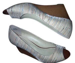 Jones New York shell Wedges