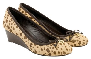 Tory Burch Cheetah/Coconut/Coconut - 907 Wedges