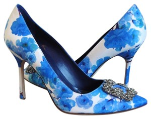 Manolo Blahnik Hangisi Floral Bridal 40 blue Pumps