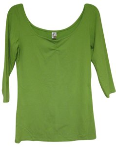 lucy Lucy - Green Quarter Sleeve Scoop Neck Top - Sz. Medium - Good Used Condtion! Cute!
