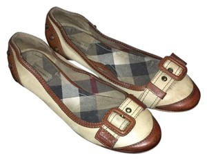 Burberry Brown/ Vanilla Flats
