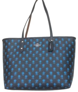 Coach New With Tags Print Limited Edition Nwt Tote in Midnight / Multi