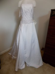 Mary's Bridal 206 Wedding Dress