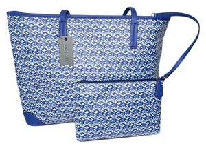 Guess East/west G Cube Tote in Indigo Blue G-Block print