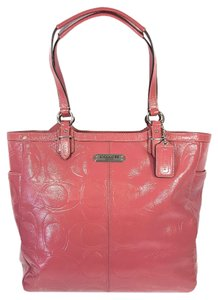 Coach Embossed Patent Leather Signature Silver Hardware Gallery Satchel in Pink