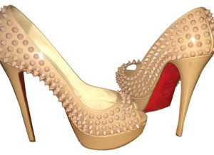 Christian Louboutin Pumps Nude Platforms