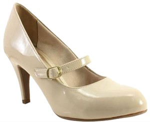 Hush Puppies Patent Leather Cream Pumps