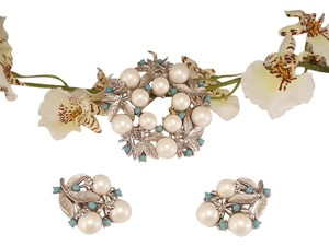 Sara Conventry Vintage Sara Conventry Brooch and Earrings Set 1961 Alasken Summer