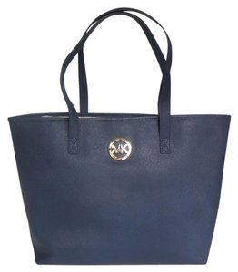Michael Kors Jet Set Travel Gold Hardware Dual Carry Handles Tote in Navy/Gold