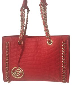 bebe Tote in Red/Gold