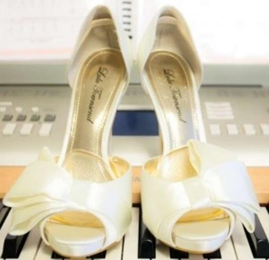Preload https://item4.tradesy.com/images/lulu-townsend-ivory-bridal-pumps-size-us-75-179098-0-0.jpg?width=440&height=440