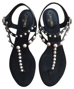 Chanel Pearl Thong Pearl Size 36 black Sandals
