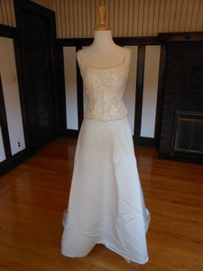Pronovias Ivory/Gold Satin Sample Destination Wedding Dress Size 2 (XS)