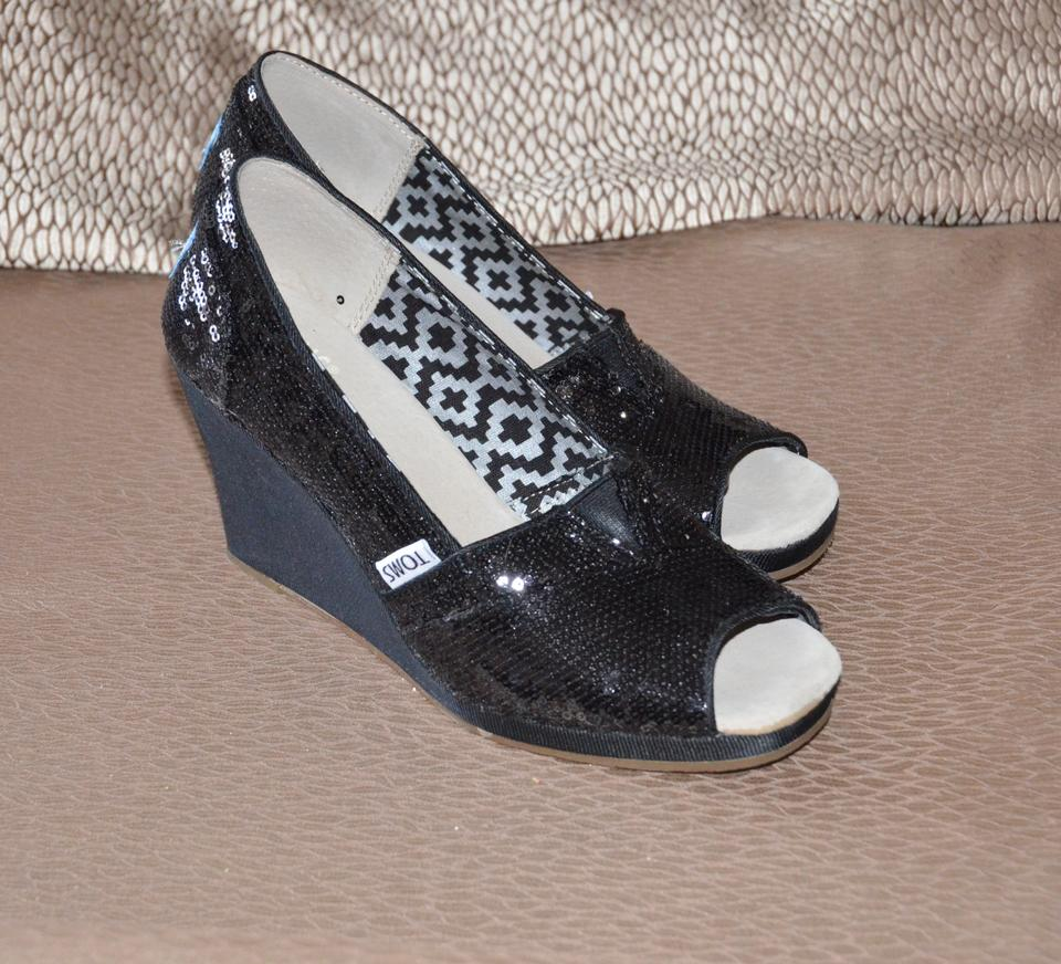 48002ade1683 TOMS Black Dazzling Sequin Wedges Size US 6.5 Regular (M
