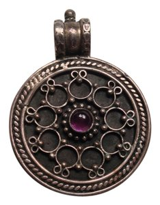 other Pendant with purple stone 11.8 grams ( India ?)