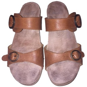 Dansko Slide Buckle Comfort camel Sandals