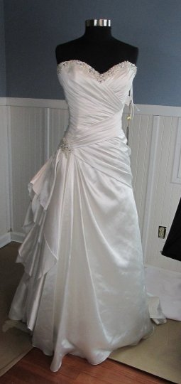 Demetrios Gr214 (9s) Wedding Dress