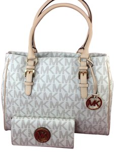 Michael Kors Jet Set Work Tote in Vanilla
