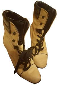 Tod's Lace Up Comfortable Dark Yellow, Black, Suede Boots