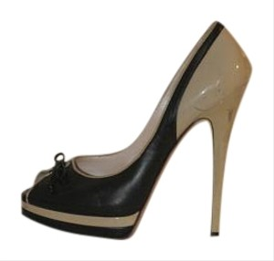 Casadei ecru/black Pumps