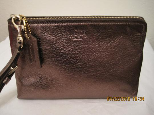 Coach Pouch Clutch Cosmetic Make Up Wristlet in Metallic Gold Image 10